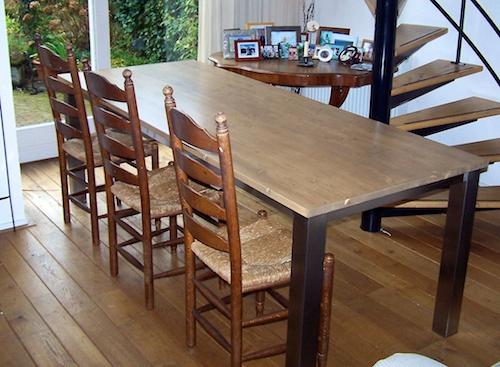 grote moderne hippe etenstafel
